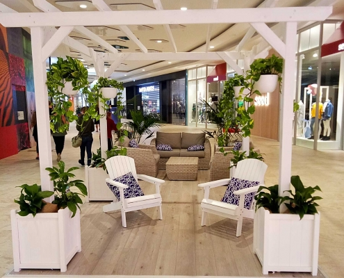 Mandurah Forum Shopping Centre Dwell Zone with seating and greenery